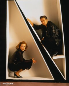 Mulder-and-Scully-mulder-and-scully-8678647-1681-2100